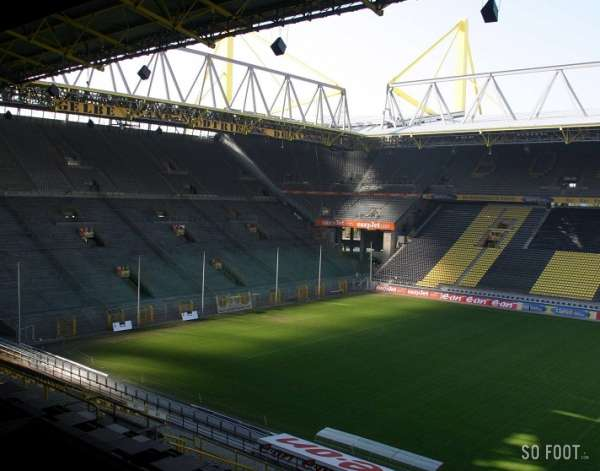 signal iduna park jusqu en 2021 allemagne. Black Bedroom Furniture Sets. Home Design Ideas