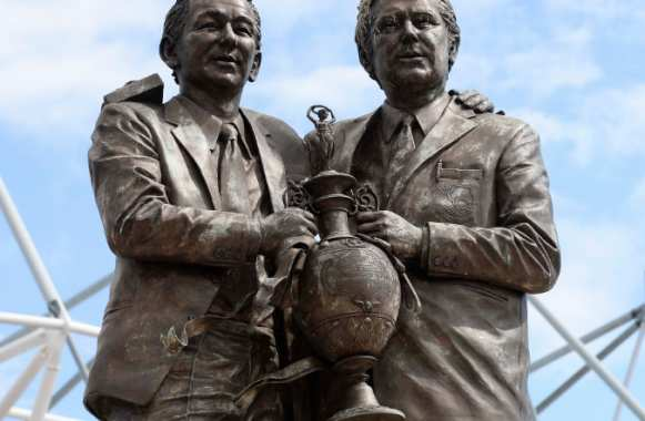 Statues à l'effigie du duo Brian Clough / Peter Taylor