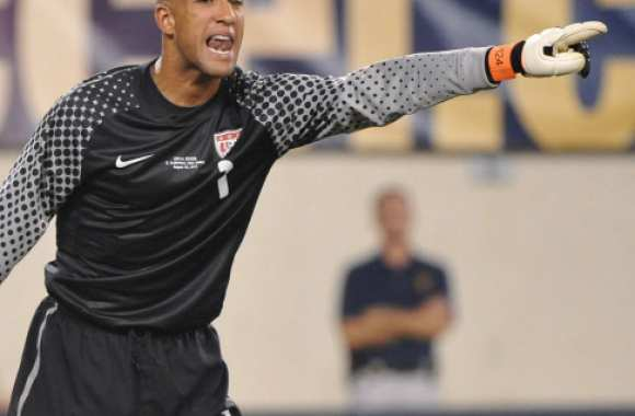 Tim Howard imite Drogba