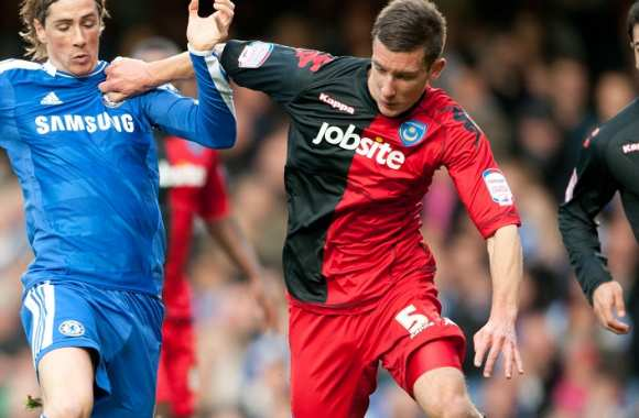 Torres (Chelsea) contre Pearce (Portsmouth)