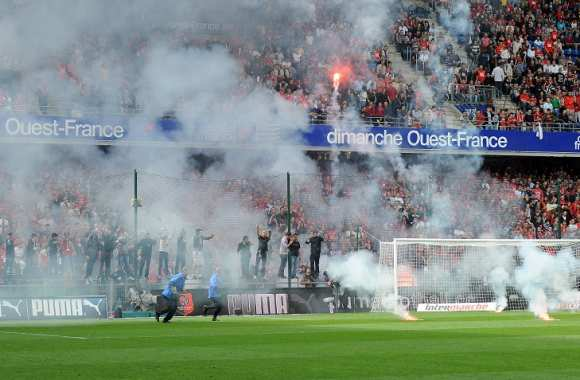 Tribune de supporters rennais lors du match contre Nantes
