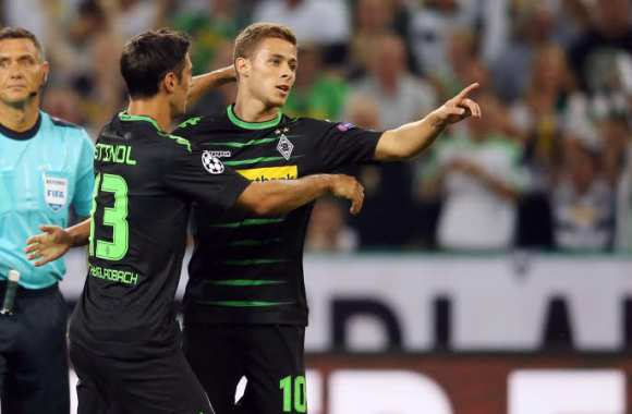 Triplé de Thorgan Hazard.