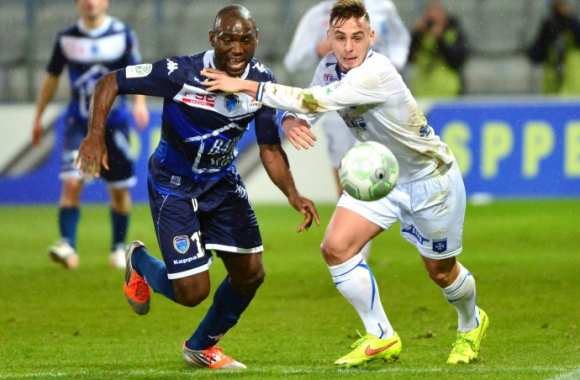 Troyes dispose d'Auxerre.