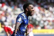 Un Lacazette « on fire » lance la saison lyonnaise