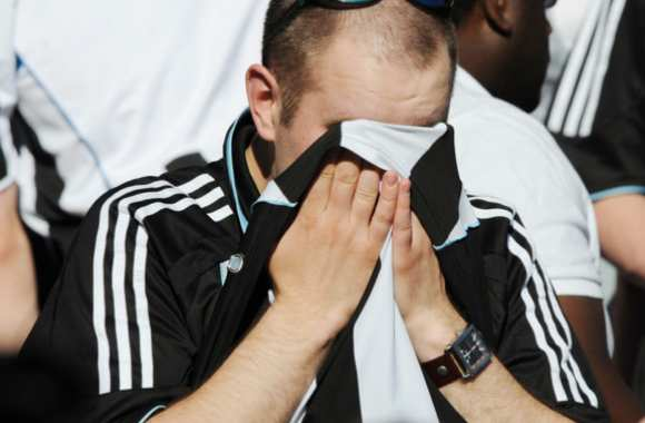 Un supporter de Newcastle qui a besoin d'un gros calin