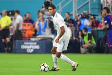 Varane prolonge au Real Madrid
