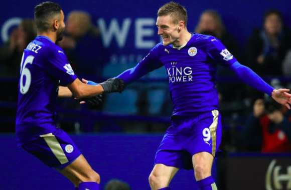 Vardy et Mahrez guident Leicester, United coule