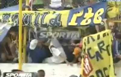 Vidéo : Supporters pervers
