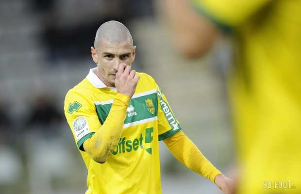 Vincent Bessat (Nantes) ram�ne un point et un mickey de Sedan