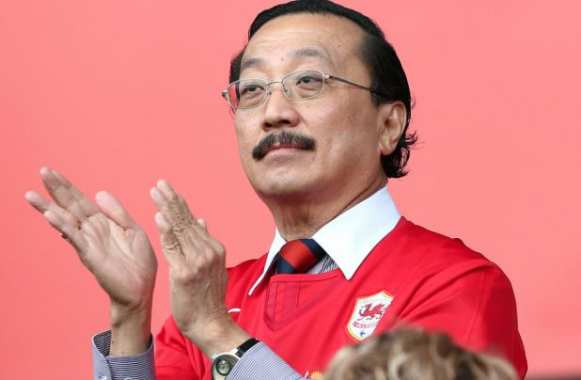 Vincent Tan dit adieu à son rouge