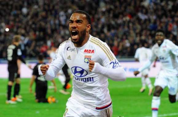 West Ham chaud sur Lacazette