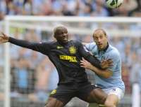 Arouna Kone (Wigan Athletic) face à Pablo Zabaleta (Manchester City)
