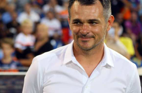 Willy Sagnol et sa belle chemise blanche