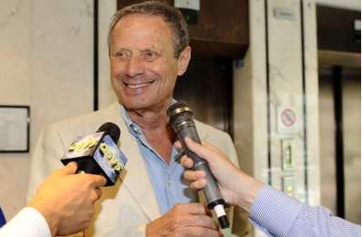 Zamparini taille son coach
