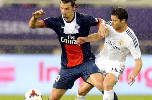Zlatan Ibrahimovic (PSG) face à Xabi Alonso (Real Madrid)