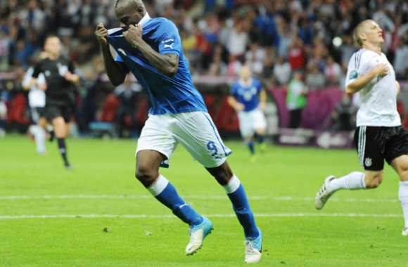 balotelli flingue l allemagne compte rendu analyse euro 2012. Black Bedroom Furniture Sets. Home Design Ideas