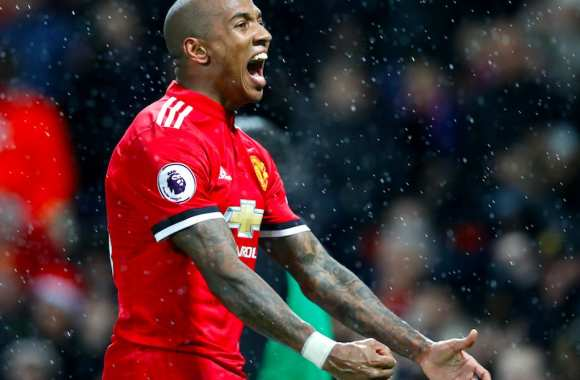 Maillot Domicile Manchester United Ashley Young