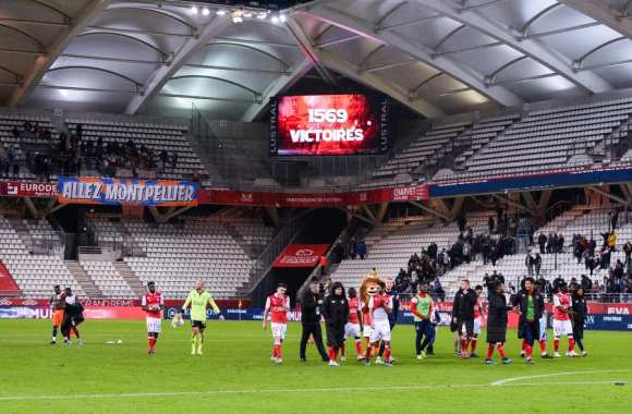 Reims Reflechirait A Un Nouveau Stade France Reims 21