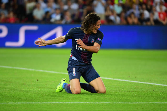 PSG - Edinson Cavani   D-333777-iconsport-win-130916-01-11040